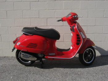 2018-vespa-primavera-50-red