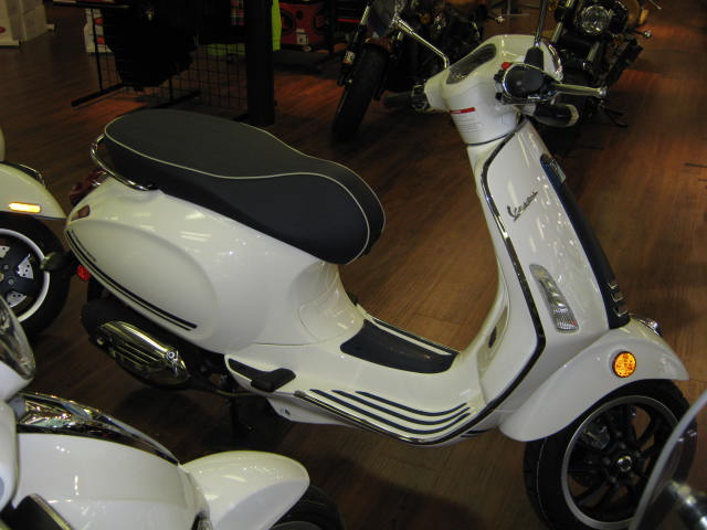 2019 Vespa Primavera 50 Yacht Club Limited Edition Chesapeake Cycles