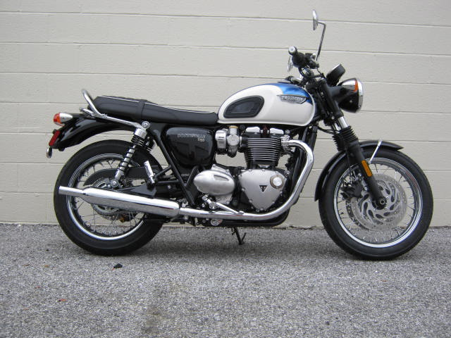 triumph-t120-blue-white