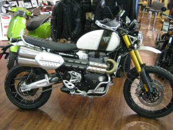 triumph-scramber-1200-showcase