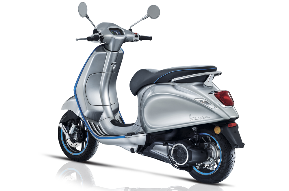 MY20 Vespa Elettrica back view