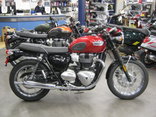 sale-triumph-t100-red